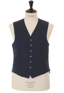 View the Fortela Cotton Gilet - Navy online at Kafka